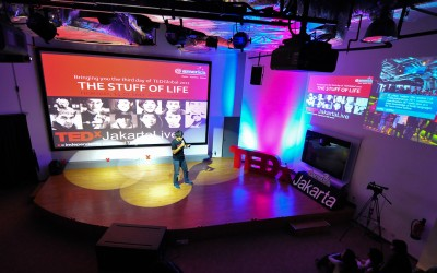 2011.07.14_TEDxJakartaLive_The_Stuff_of_Life_flickr_5949217779_37b9252043_b